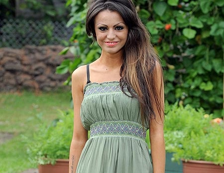 X Factor`s Cher Lloyd is here, check her latest hairstyles in this page :)