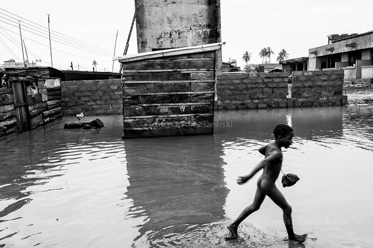 Tomasz Tomaszewski. GHANA. The Fishermen of Elmina. 2016