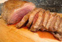 A Picanha ao Forno com Sal Grosso é fácil de fazer e deliciosa. Sirva acompanhada de arroz branco e vinagrete e receba muitos elogios! Veja Também: Picanha