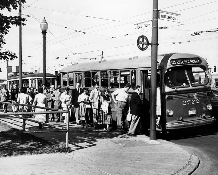 Montreal, 1958 - Jean-Talon westbound on the corner of Hutchison.