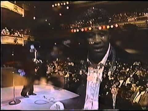 Barry White At The Royal Albert Hall,1975 (49 Minutes) - YouTube