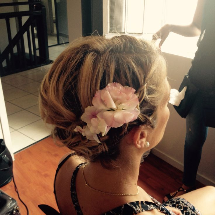 42 best chignon cheveux courts images on pinterest hair makeup wedding hairdos and bridal. Black Bedroom Furniture Sets. Home Design Ideas