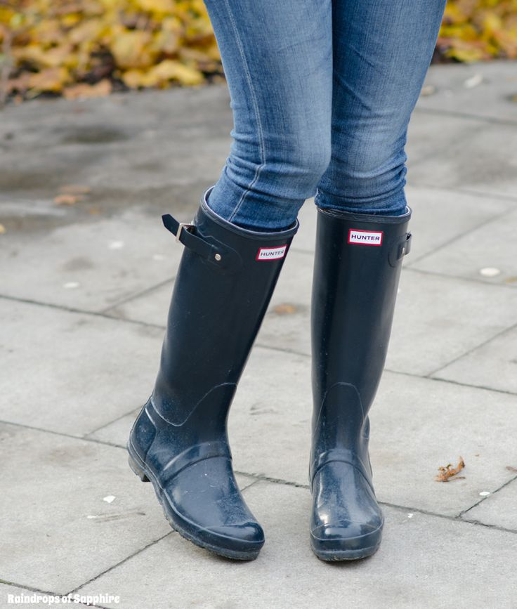 Hunter Original Tall Wellies Navy Gloss http://raindropsofsapphire.com/2013/12/27/burgundy-fair-isle-navy-gloss-hunter-wellies/