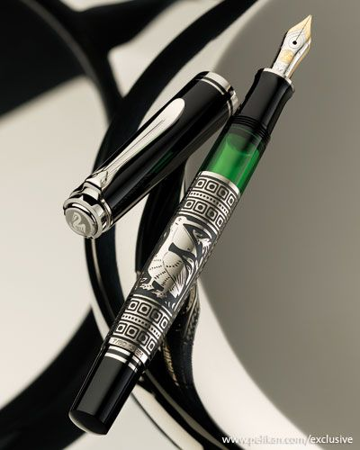 In 2011, Pelikan launched the small Toledo (710) in silver with much success, so that the large model 910 is now following suit. The art of working with Damascus steel goes back thousands of years. It means that steel or iron objects are decorated by engraving a pattern into the surface. This technique was brought by the Arabs into Spain.    In the year 1931, Pelikan launched the