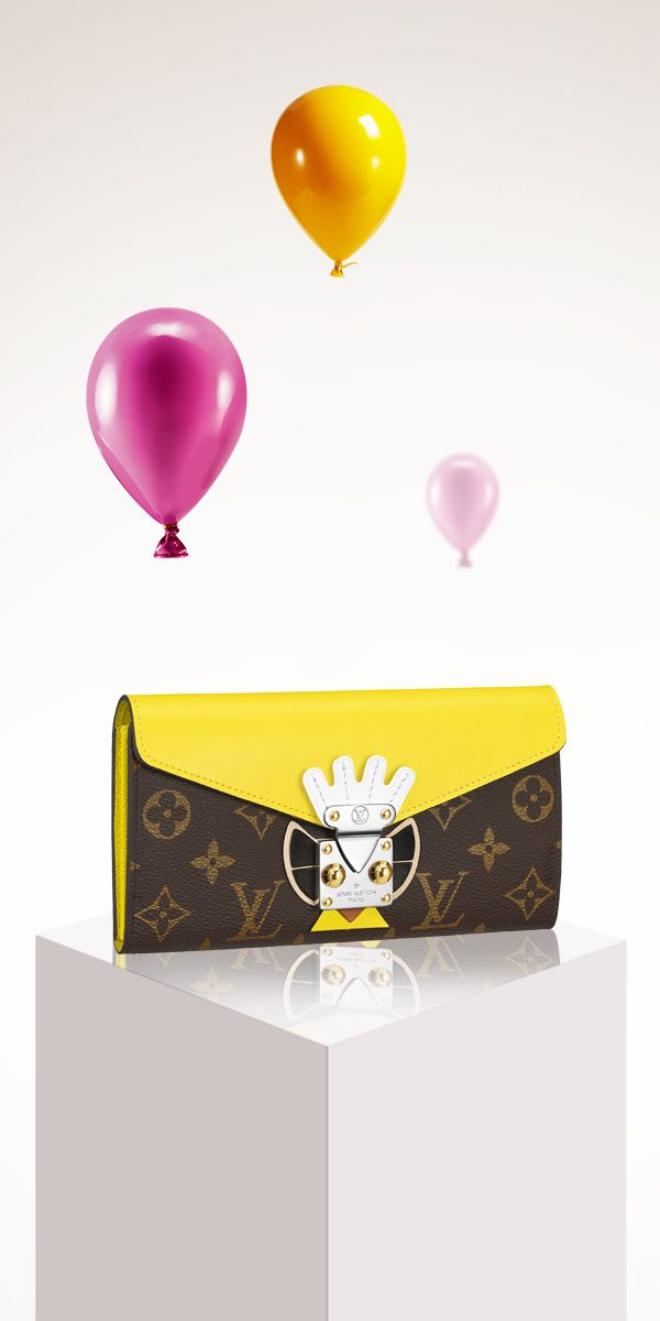 We definitely add this cute LV wallet to our wishlist!