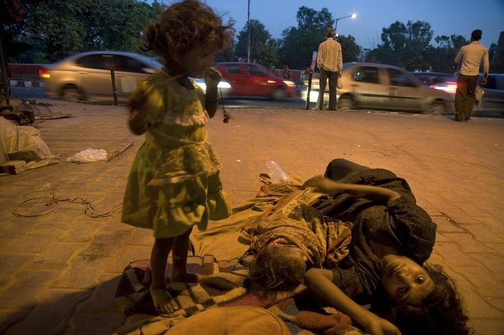 10 Powerful Pictures Of Underprivileged Children That Mock