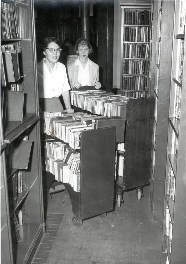 Vintage Librarians --- How it used to be...