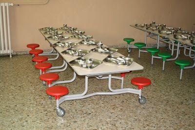 Mesas plegables para el comedor ahorran espacio y for Mesas comedor colegio