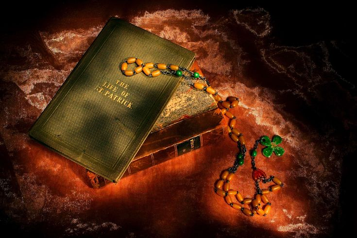 #ambience #ambient #antiquated #antique #beads #book #books #candle #candlelit #clover #colour #culture #design #four #glow #green #history #ireland #irish #leaf #leaves #light #luck #march #meaning #of #old #patrick #prayer