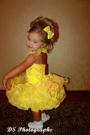 pageant dress |Pinned from PinTo for iPad|