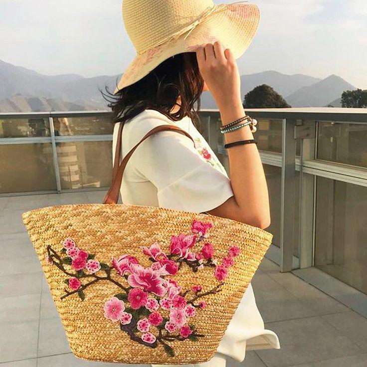 platanitosperuIndispensables para este Verano⛱#bag #sunset #instalook #hat #summer #outfit #otd #platanitos #fashion #style #girl #instafashion #summeriscomming #sun #moda #platanilovers