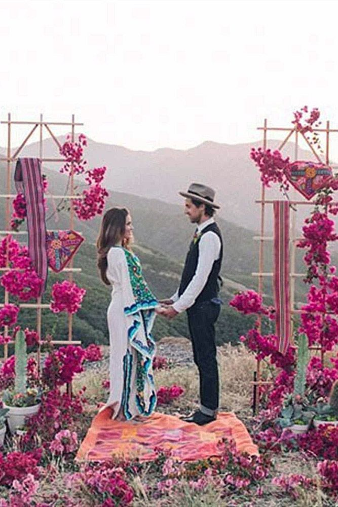 30 Wild And Free Hippie Wedding Ideas Wedding Forward Hippie Wedding Romantic Outdoor Wedding Wedding Table Centerpieces