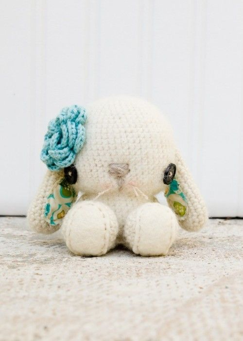 "Such a cute bunny!  Found the free pattern on blog.craftzine.com  ""Crochet Spring Bunny"" archive 2011/04"