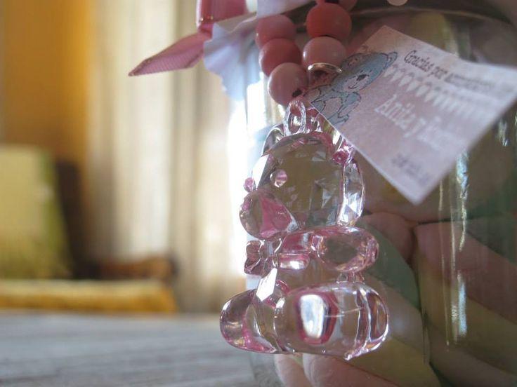 Un lindo oso rosado.