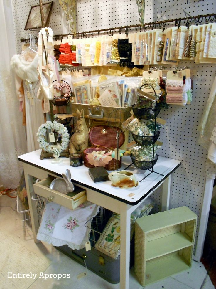 antique mall booth display ideas | Entirely Apropos: We are Booth 21, Franklin Antique Mall !
