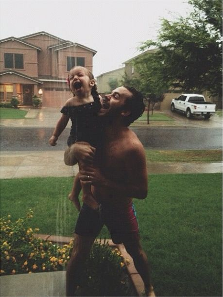 This is by far the CUTEST daddy daughter photo that I have ever seen. I want my daughter to have her daddy wrapped around her finger and do things like this.