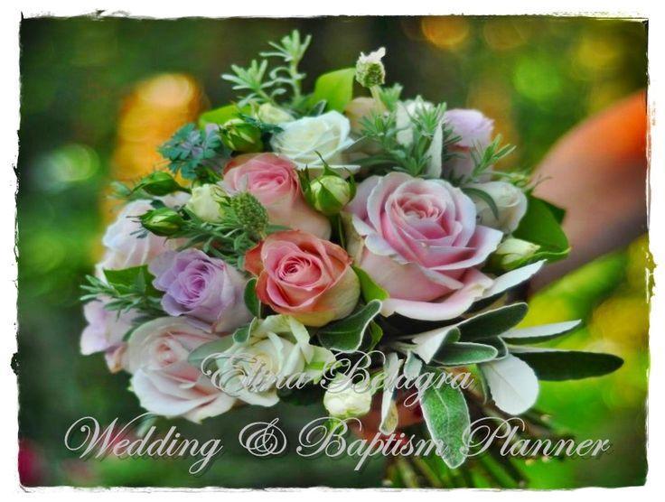 anthodesmi#nufiki#bridal#bouquet#chic#elegance#romantic#rustic#white#pink#flowers#hamdmade#weddingplanner#elinabelagra#www.elinabelagra.gr