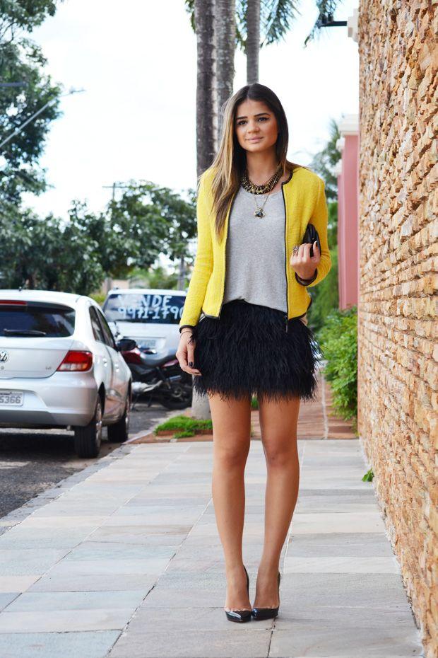 Amarelo com preto e cinza. Bela combinação de cores para eu variar.