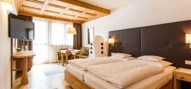 975.- für 7 Nächte Doppelzimmer Large - € 1075,- Junior Suite mit Whirlwanne -  Almhof - 4* Hotel Mein Almhof - 5.7 von 6 auf HolidayCheck - Nauders am Reschenpass - ACHTUNG! Es gibt auch nicht renovierte Zimmer, bei Buchung angeben!!! - nicht an Piste