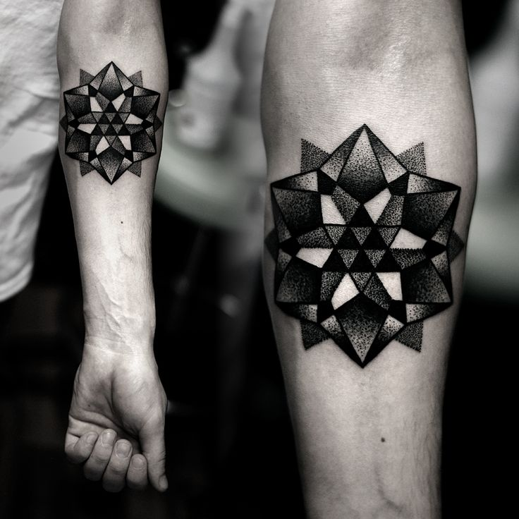 Love this. Can't tell if I like it more in black/grays, or if I would like it more in color. It would probably look dope with different blues.