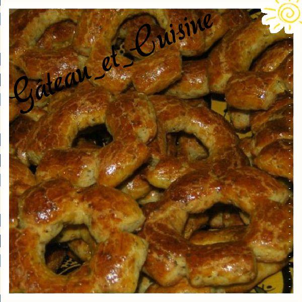 Kaaks ,petits gâteaux orientaux à l'anis et au graines de sésame