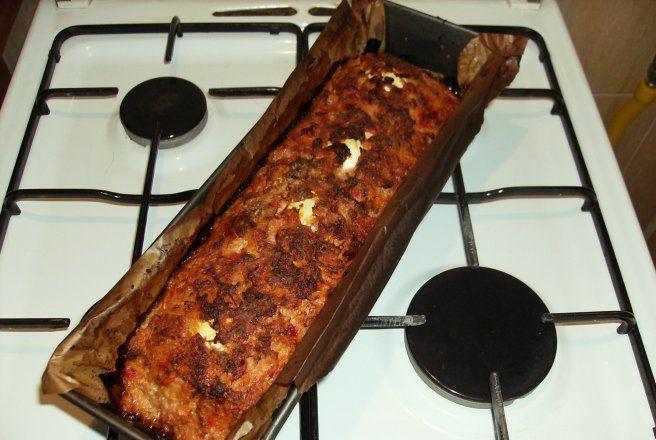 Rulada de carne cu ardei copti si oua