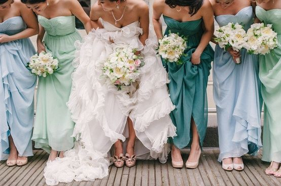 Bridesmaid fashion: Same dress, different shades