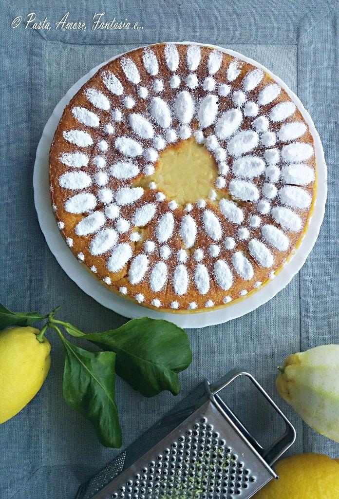 Buonasera a tutti, eccomi quasi a conclusione di questa giornata proponendovi un dolce fresco e profumato al limone adatto per il pranzo di
