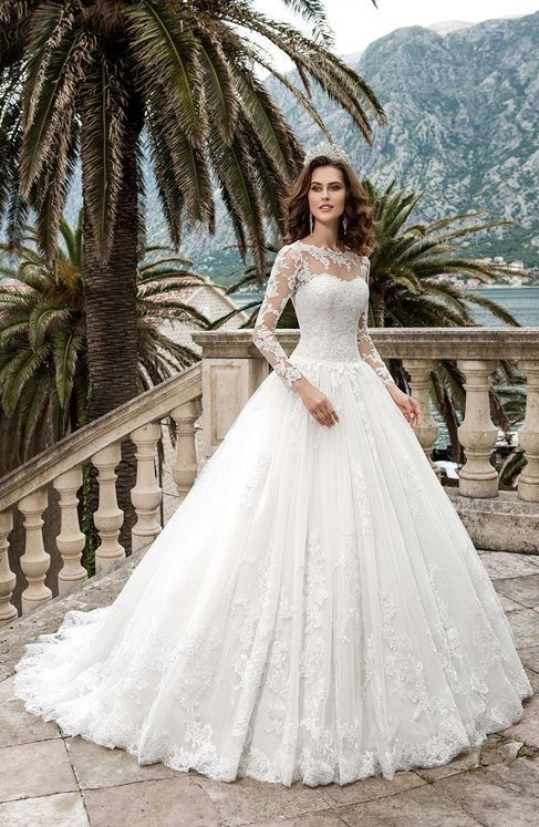 bec7edc7c Leo - Hermoso vestido para novias corte princesa con mangas largas ...