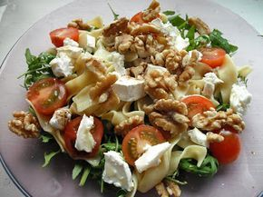 heerlijke pastasalade met brie en walnoten