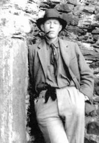 Poésie et traduction W.H. Auden est un poète américain d'origine anglaise, il est peu connu en France alors que sa poésie a influençé de nombreux écrivains anglo-saxons. il est aujourd'hui considéré comme un des plus grands poètes de langue anglaise du...