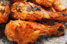 Pollo tandoori un grande classico della cucina indiana, un piatto molto speziato e gustoso, generalmente viene servito con del riso.Provate!