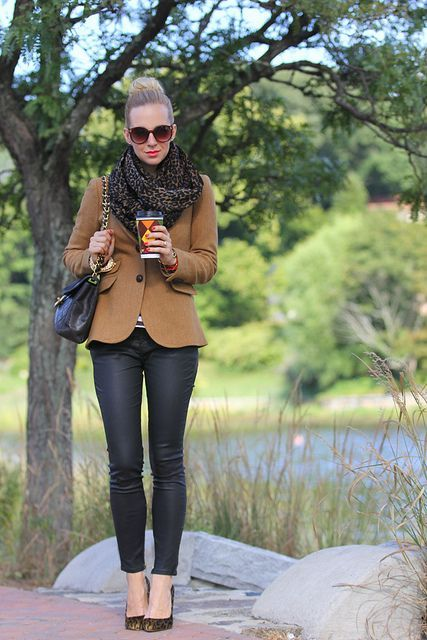 jacket and infinity scarf Stylish Infinity Scarf Outfits