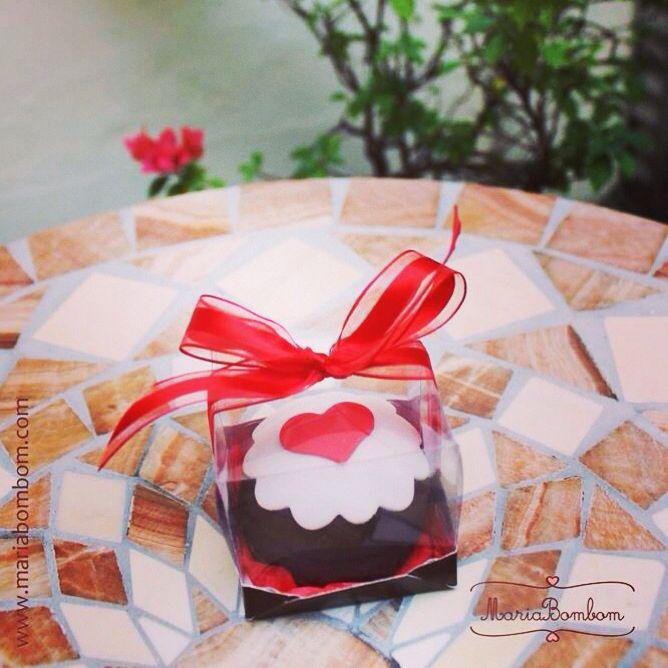 Dia dos Namorados com a MariaBombom não tem igual ❤️ pão de mel especialmente decorado para agradar seu amorzinho.  www.mariabombom.com