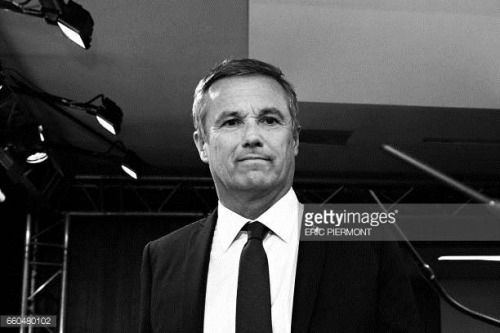 05-02 French presidential election candidate for the right-wing... #puteaux: 05-02 French presidential election candidate for the… #puteaux