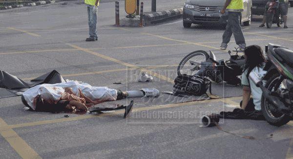 Gruesome Car accident - Gallery   eBaum's World