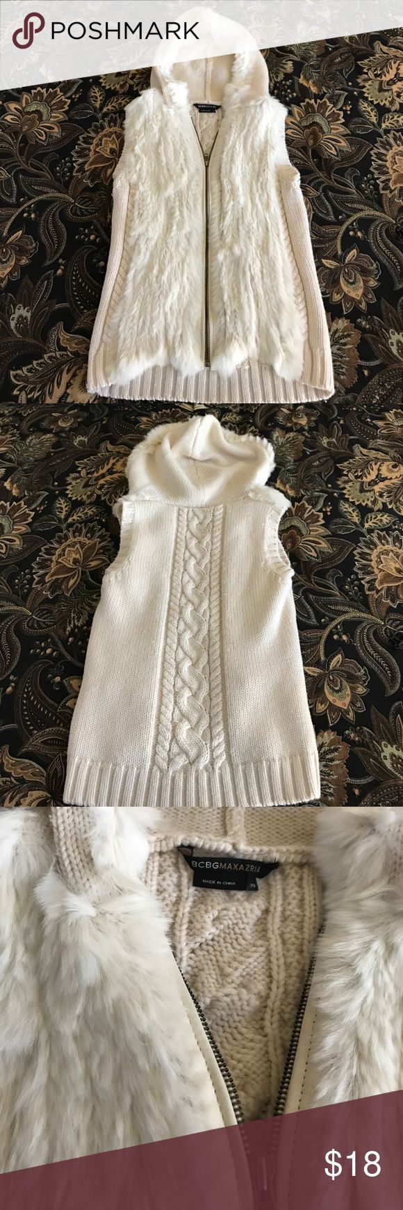 Cute BCBGMAXARIA vest 🛍🛍🛍 Soft and cozy ! Cream color with fur on front !! Zip up with side pockets 🛍🛍 BCBGMaxAzria Jackets & Coats Vests