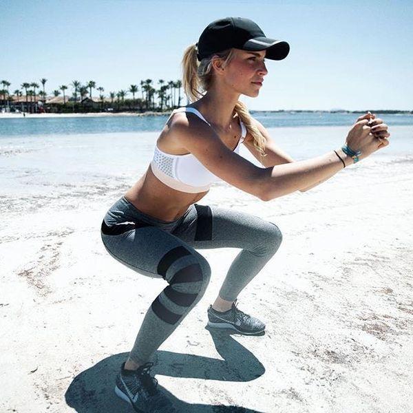 お腹とお尻に効かせる、激しい動きをするのではなく、辛い位置でキープをすることでより効果的に筋肉を働かせていくのがポイントです!身体の引き締まりを実感できますよ。