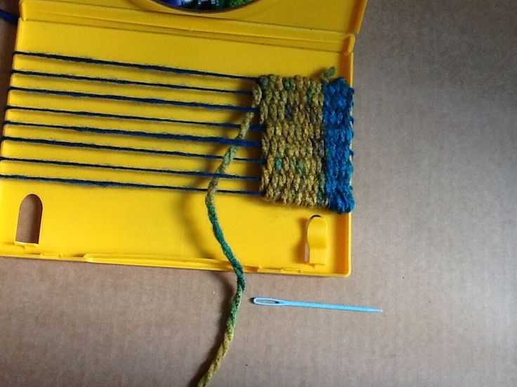 How to Weave With a Diy DVD Case Loom.