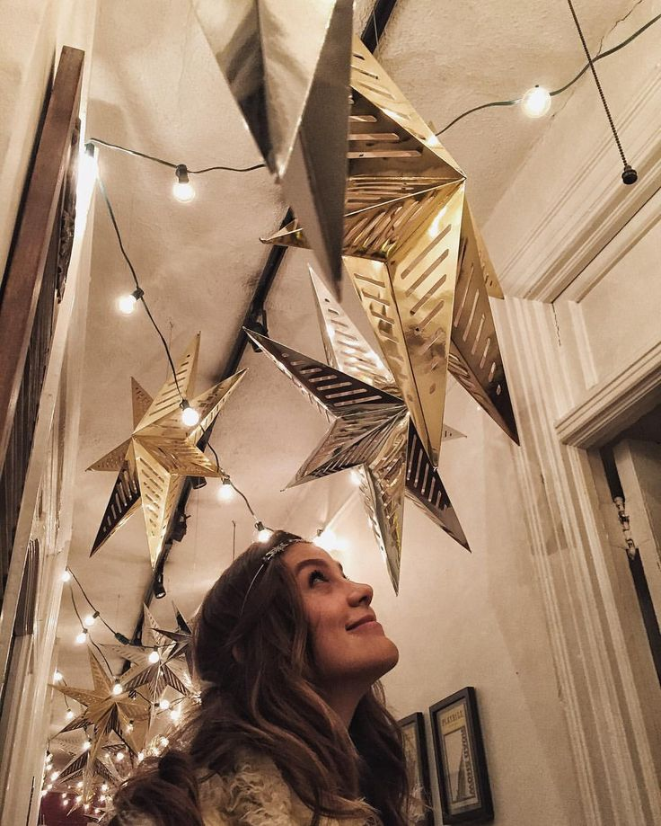 """3,313 Likes, 13 Comments - Laura Dreyfuss (@hotdamnitslaura) on Instagram: """"✨✨ Photo by @willblum"""""""