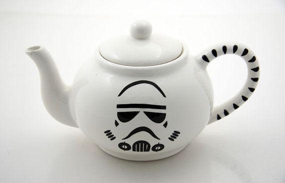 Storm trooper teapot.  I'm way to cheap to pay 40$ for this, so I guess i'll have to make it myself!