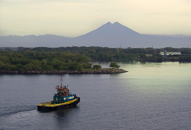 Looming Horizon (Puerto Quetzal) by Peter L Barker, via Flickr