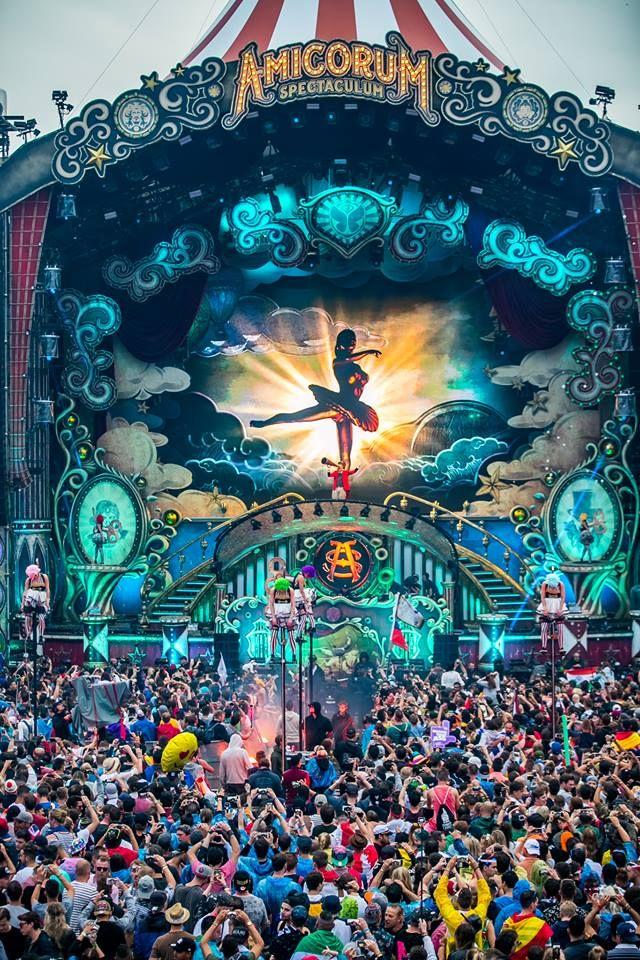 #Tomorrowland 2017   #AmicorumSpectaculum