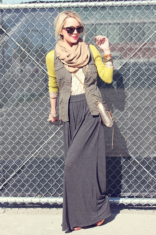 maxi skirt and layers: Atlantic Pacific, Winter Maxi, Fall Maxi, Style, Modest Outfits, Long Skirts, Casual Maxi Skirts, Grey, Circles Scarfs