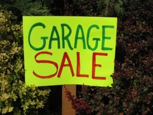 Wow! A whole list of garage sale tips! We really need to have one soon.: Helpful Ideas, Garage Yard Sale, Helpful Things, Sale Articles, House Tips, Garages, Garage Ideas, Garage Sale Tips