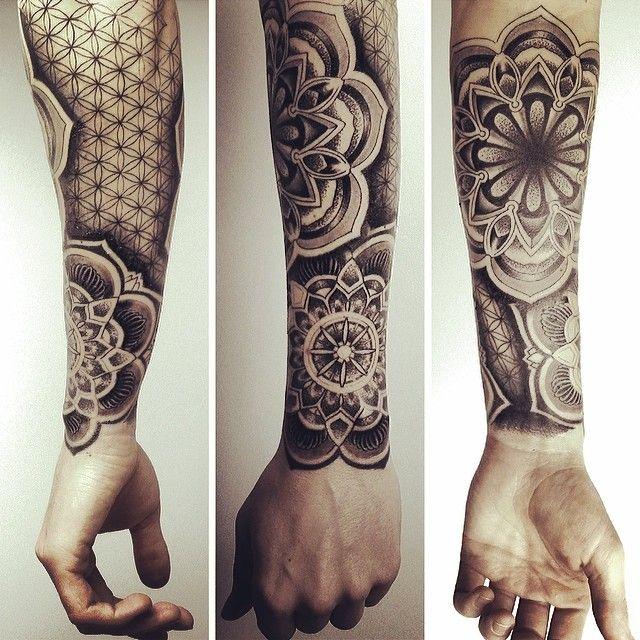 .@Mathias Feil   Kurz vor Feierabend... #tattoo #tattoos #mandala #mandalatattoo   Webstagram