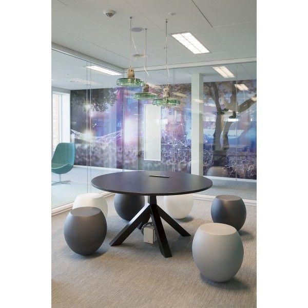 Gispen Dukdalf tafel 140. @gispennl #tafels #tafel #design #Flinders