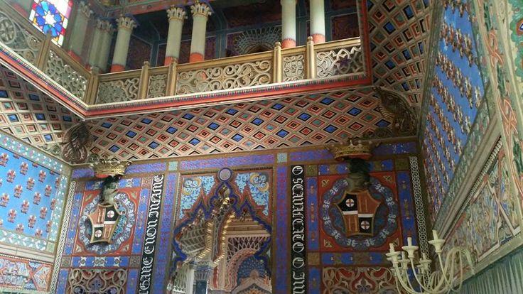 La bellezza delle decorazioni interne del Castello di #Sammezzano tra le colline di #Firenze in #Toscana