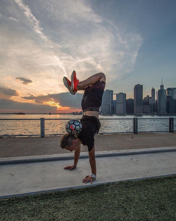 Where should I travel next?  #newyork #skyline #football #soccer #freestylefootball #fslife #handstand #unisportlife  @salahbration