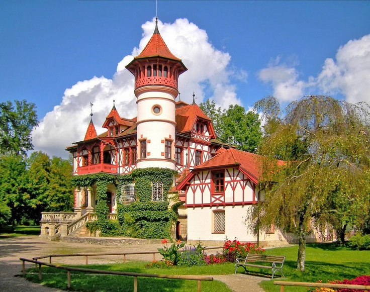 OMG! Travel Guides :: Kurparkschlössl, Herrsching, Germany